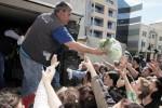 ✦ Focus: Η Ελλάδα μοιάζει με χώρα του τρίτου κόσμου και αυτοί χαίρονται για το success story